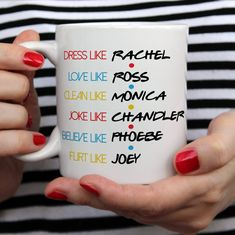 Friends quote friends moments, friends tv show, best friends, friend meme. Serie Friends, Friends Moments, Friends Video, Funny Christmas Poems, Christmas Humor, Funny Mugs, Funny Gifts, Best Friends Funny, Tv Shows Funny