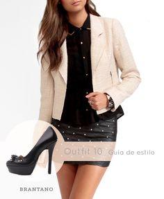 Si quieres un #look más #sofisticado, lleva un #blazer beige claro sobre #prendas negras. Si agregas acentos #dorados en #accesorios y los Pump Negro Vaqueta harás este #outfit más #elegante: http://www.brantano.com.mx/producto/627-pump-negro-vaqueta.aspx  #lookdeldía #GuiaDeEstilo