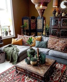 This bohemian space is amazing! Credit: @frizzyninja