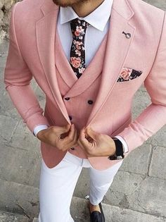 7 Menswear Fashion Myths That Are Completely Wrong. Should a guy combine black and brown his belt with his shoes or the color of his socks with his suit? Is it wrong for a guy to wear floral motifs in his clothing and mix different patterns? Blazer Outfits Men, Mens Fashion Blazer, Stylish Mens Outfits, Suit Fashion, Tailored Fashion, Fashion Black, Sport Outfits, Pink Suit Men, Pink Blazer Men