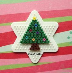 Christmas Tree made of Hama Beads Iron Beads Melty Bead Patterns, Pearler Bead Patterns, Perler Patterns, Beading Patterns, Quilt Patterns, Art Patterns, Jewelry Patterns, Hama Beads Design, Diy Perler Beads
