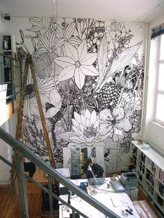 Love the giant flower mural!