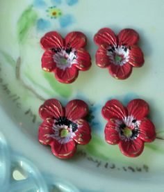 N929H Vintage Pansy Findings Stampings Hand by purpleviolets77