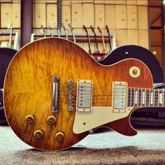 The holy grail of guitars....a gibson Les Paul '59 reissue - lightly aged