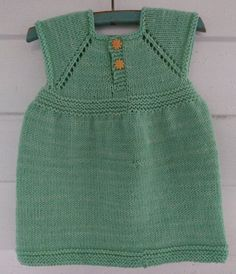 Ravelry: Simple & Sweet Little Baby Dress pattern by Taiga Hilliard Designs Free Baby Sweater Knitting Patterns, Knit Baby Sweaters, Baby Patterns, Baby Knitting, Knit Baby Dress, Crochet Baby Clothes, Baby Pullover Muster, Free Baby Stuff, Baby Sewing