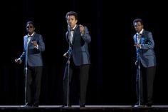 Bernie Mac, John Legend and Samuel L. Jackson in Soul Men Bernie Mac, The Caged Bird Sings, Jackie Brown, John Legend, Soul Music, What Is Love, Comedians, Blue Dresses, Jackson