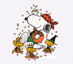 One last look at Halloween and costumes. Snoopy and Woodstock candy party Snoopy Halloween, Holidays Halloween, Happy Halloween, Halloween Ideas, Halloween Week, Halloween Costumes, Snoopy Christmas, Halloween Party, Peanuts Thanksgiving