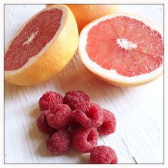 Pink Grapefruit-Smoothie Grapefruit Smoothie, Pink Grapefruit, Smoothies, Drinks, Food, Banana, Orange Juice, Agaves, Raspberries