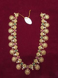 Saved by radha reddy garisa Jewelry Design Earrings, Gold Earrings Designs, Emerald Jewelry, Gold Jewellery Design, Necklace Designs, Gold Designs, Designer Jewellery, Gold Wedding Jewelry, Bridal Jewelry