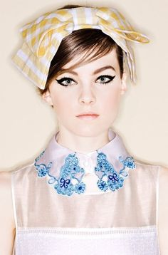 Trend alert: embroidered collars by @daddysneatness  http://www.daddysneatness.com/2014/10/trend-alert-embroidered-collars.html