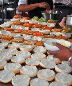 LEKKER RESEPTE VIR DIE JONGERGESLAG: SLAAIE / SOUSE / GROENTE South African Recipes, Ethnic Recipes, Bacon Bits, Food For A Crowd, Stuffed Green Peppers, Chutney, Beets, Sweet Potato, Gravy