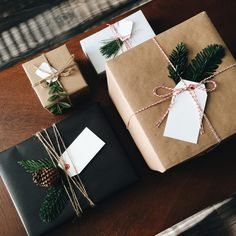 Cute Christmas Gift Wrapping Ideas Coz There is Nothing Better Than Personalised Christmas Gifts - Hike n Dip Cute Christmas Gifts, Personalized Christmas Gifts, Noel Christmas, Christmas Gift Wrapping, Winter Christmas, Holiday Gifts, Christmas Crafts, Christmas Decorations, Rustic Christmas