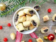 Debesys – maisto tinklaraštininkų žurnalas » Kūčiukai - Lithuanian yeasted poppyseed Christmas Eve cookies, naturally vegan
