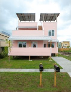 Duplex House by Frank Gehry per Make it Right Foudation