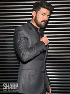 Let Karl Urban Show You How to Dress for Success this Fall Karl Urban, Urban Movies, Simon Pegg, Hollywood, Urban Legends, Raining Men, Sharp Dressed Man, Dress For Success, Keanu Reeves