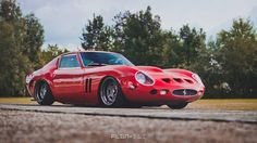 "FLGNTLT (@flgntlt) na Instagramu: ""LIVIN´ THE RED DREAM! It´s a Datsun 280Z or Ferrari GTO? BOTH! w/ @rotiform  @edelweisscustoms…"""