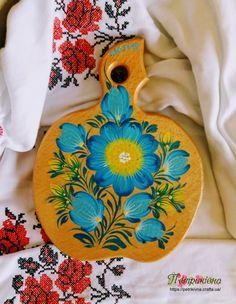 Деревянная разделочная доска из бука яблочко Василек Петриковская роспись