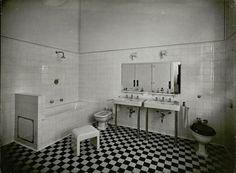Villa Cavrois - Mallet Stevens 1932. Master bathroom.