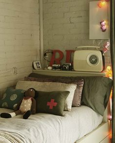 the boo and the boy: Rough and rugged kids' rooms