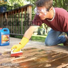 Even the best solid-color deck stains eventually flake away. To make an old deck look new again, strip off all the old finish, then clean, recondition and stain the wood. Deep Cleaning Tips, House Cleaning Tips, Cleaning Hacks, Deck Cleaning, Deck Repair, House Repair, Easy Deck, Stripping Paint, Deck Stairs