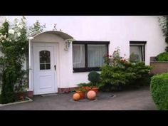 Ferienhaus Johanna - Schmalkalden - Visit http://germanhotelstv.com/ferienhaus-johanna Featuring a scenic countryside location in Schmalkalden Ferienhaus Johanna offers self-catering accommodation a sauna and terrace. Table tennis facilities are provided in the garden.  Ferienhaus Johanna provides a holiday home and an apartment. -http://youtu.be/_LdBLvCDJc4