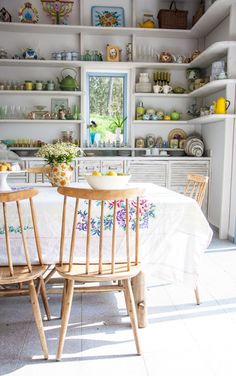 Dream kitchen via Design*Sponge Kitchen Ikea, Kitchen Interior, Kitchen Dining, Kitchen Decor, Dining Room, Kitchen Shelves, Open Kitchen, Eclectic Kitchen, Dining Area