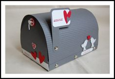 Tuto mail box St valentin de N@th: 04-02-2011 http://lescrapdenath.fr/2011/02/tuto-mail-box-st-valentin/