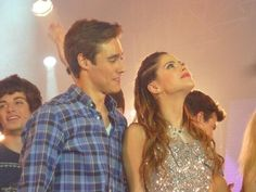 Leon and Violetta Violetta Outfits, Violetta And Leon, Netflix Kids, Best Tv Couples, Disney Channel Shows, Series Movies, Beautiful Smile, My Princess, Couple Goals