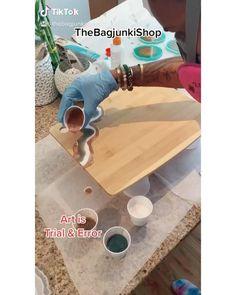 Watch me Resin @thebagjunkishop Resin Crafts, Resin Art, Resin Tutorial, Diy Arts And Crafts, Summer Crafts, Handmade Bags, Cutting Board, Coasters, Hobbies
