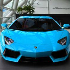 Blue car <3