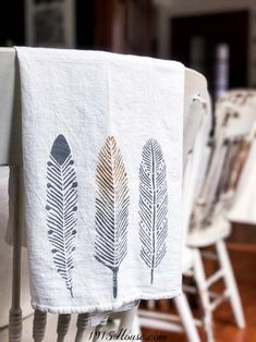 How to stencil fabric - a quick update for pillows and more How to stencil fabric 101 - modern stencils done right. See how easy they are to use! Stencil Fabric, Stencil Printing, Stencil Patterns, Fabric Painting, Screen Printing, Printing On Fabric, Stencils, Tips And Tricks, Form Design