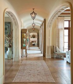 Traditional Entry Hall Design, Pictures, Remodel, Decor and Ideas - page 64 Luxury Home Decor, Luxury Interior Design, Luxury Homes, Mansion Bedroom, Mansion Interior, Flur Design, Hall Design, Mansions Homes, My New Room