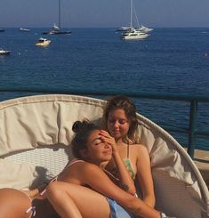 Image shared by princess. Find images and videos about love, cute and vacation on We Heart It - the app to get lost in what you love. Foto Best Friend, Best Friend Photos, Best Friend Goals, Friend Pics, Summer Dream, Summer Girls, Summer Baby, Cute Friends, Best Friends