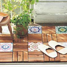 Piso mosaico para Sacada. Deck intercalado com outro, dá pra usar caquinhos paulistas.