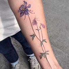 Done by Amanda Wachob (guets at Wonderland Tatoos, portland)