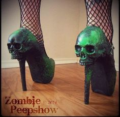 These heels are to die for! @zombiepeepshow on IG