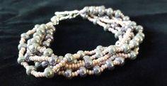 Retrouvez cet article dans ma boutique Etsy https://www.etsy.com/listing/473417411/5-strand-boho-bracelet