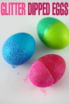 Easter is a great time to get creative with your kids, there is nothing like getting together as a family and decorating Easter Eggs.  Glitter dipped eggs are a fun way to create brightly coloured and non-traditional Easter home decor.  Plus it totally satisfies any cravings for glitter you might have.  Come on. Admit it.  …