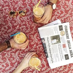 The perfect moment of the day  Break time  // #centrifuga #newspaper #onthetable #ayellowmark