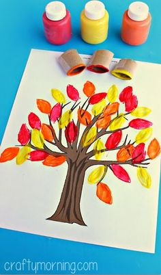 Leaf Crafts for Kids - Crafts Autumn Crafts, Crafts For Kids To Make, Thanksgiving Crafts, Kids Crafts, Holiday Crafts, Art For Kids, Autumn Art, Thanksgiving Table, Autumn Trees