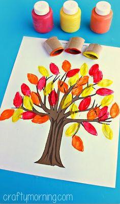 Leaf Crafts for Kids - Crafts Autumn Crafts, Crafts For Kids To Make, Thanksgiving Crafts, Kids Crafts, Art For Kids, Autumn Art, Thanksgiving Table, Autumn Trees, Leaf Crafts
