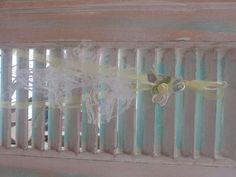 Κρεμαστή μπομπονιέρα με χειροποίητη καρδιά από φύλλο αλουμινίου  #μπομπονιερες #μπομπονιερες_γαμου #οικονομικες_μπομπονιερες_γαμου #χειροποιητες_μπομπονιερες_γαμου #αλουμινιο #μπομπονιερες_με_δαντελα Glass Vase, Weddings, Home Decor, Homemade Home Decor, Mariage, Wedding, Interior Design, Home Interiors, Decoration Home