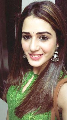 Beautiful Girl Image, Most Beautiful Women, Simply Beautiful, Cute Beauty, Beauty Art, Indian Natural Beauty, Saree Models, Cute Girl Pic, Tamil Actress Photos