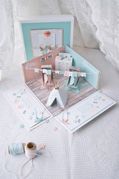 Explosionsbox für Zwillinge The Research Paper Idea But this is not the identical for every person. Scrapbook Box, Scrapbook Journal, Scrapbook Designs, Diy Crafts For Gifts, Diy Arts And Crafts, Card In A Box, Exploding Box Card, Diy Gift Box, Cards For Friends
