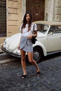 Here's How To Wear A Skirt With Flat Sandals