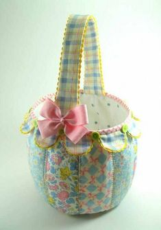 Scallop Fabric Basket - Quilting Digest