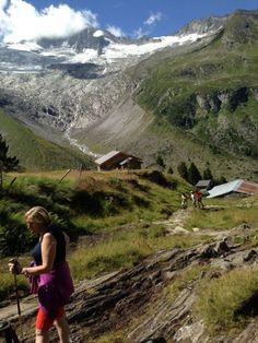 Unser Berg- und Wanderguru Alf ist mit der Wandergruppe auf dem Weg zur Berliner Hütte.