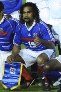 Karembeu Fc Barcelona, Real Madrid, Thing 1, Fifa, Sports, Style, Champions League, Hs Sports, Swag