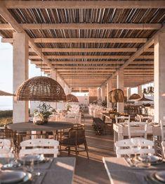 Mea Terra on Behance Beach Restaurant Design, Decoration Restaurant, Restaurant Patio, Restaurant Ideas, Terrasse Design, Beach Cafe, Restaurant Interior Design, Hospitality Design, Beach Hotels