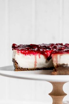 How to make the Perfect Cheesecake {a step-by-step recipe} - Broma Bakery No Bake Desserts, Dessert Recipes, Brownies, Broma Bakery, Easy Cooking, Cheesecake Recipes, Sweet Recipes, Baking Recipes, The Best